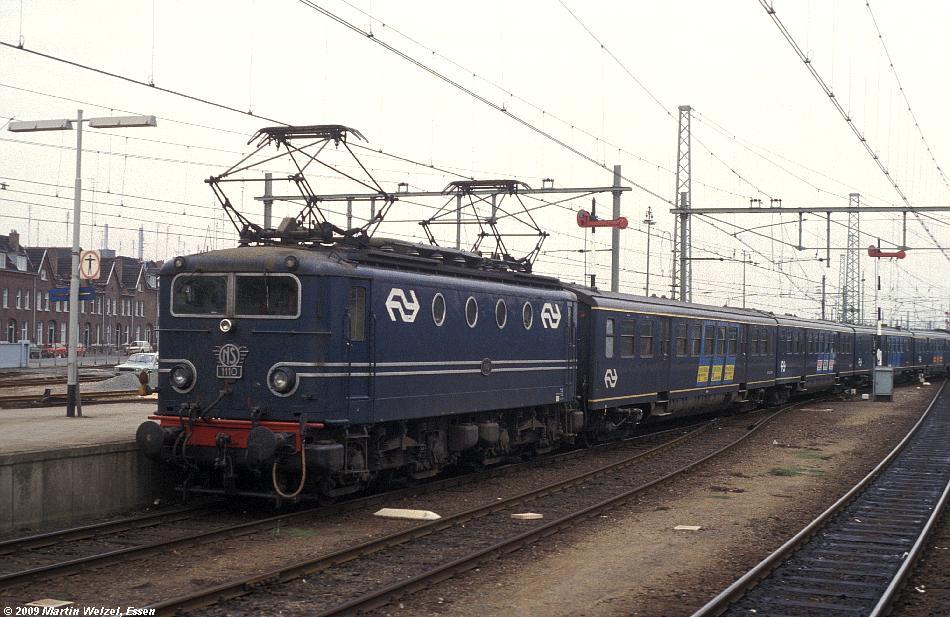 http://www.eisenbahnhobby.de/Holland/135-7_1110_Maastricht_28-8-79_S.JPG