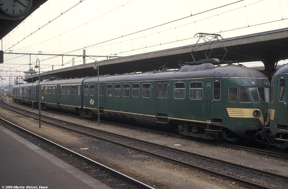 http://www.eisenbahnhobby.de/Holland/135-8_Bk702_Maastricht_28-8-79_S.JPG