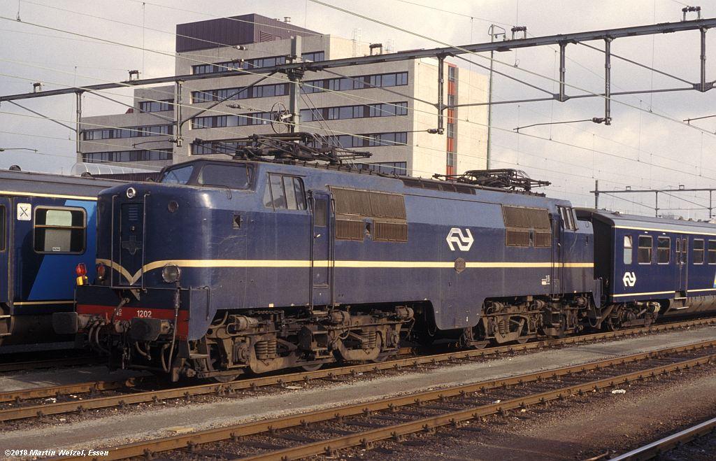 http://www.eisenbahnhobby.de/Holland/142-14_1202_Heerlen_1980-01-27_S.jpg