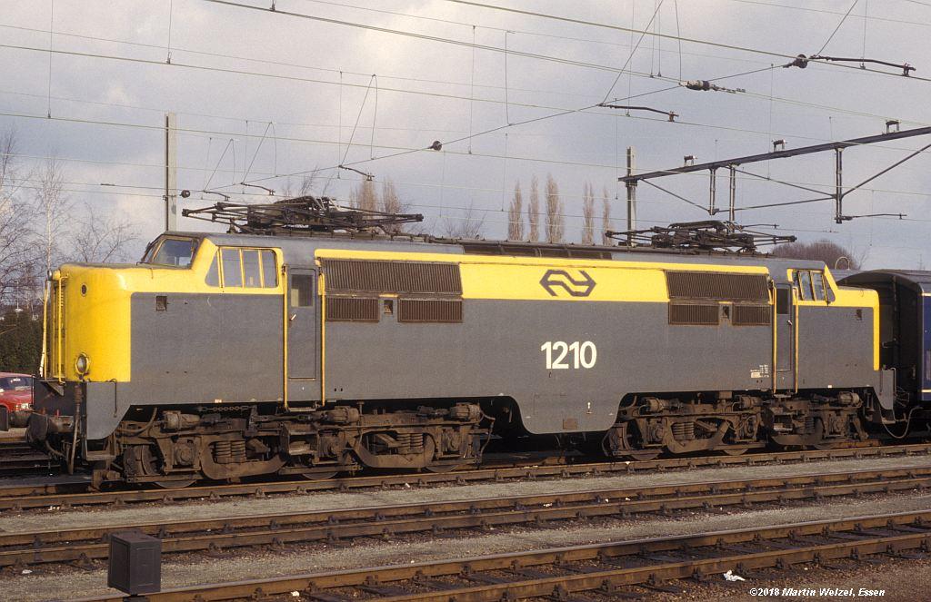 http://www.eisenbahnhobby.de/Holland/142-15_1210_Heerlen_1980-01-27_S.jpg