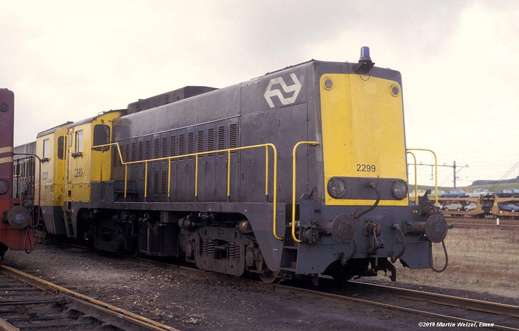 http://www.eisenbahnhobby.de/Holland/142-22_2299_Heerlen_1980-01-27_S.jpg