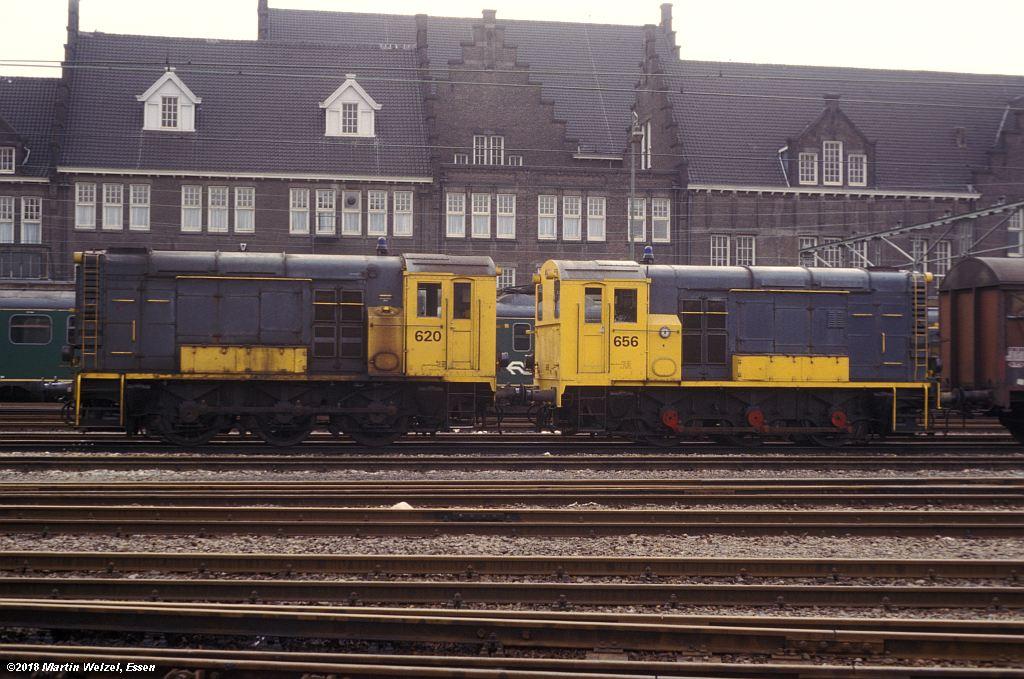 http://www.eisenbahnhobby.de/Holland/142-35_620-656_Maastricht_1980-01-27_S.jpg