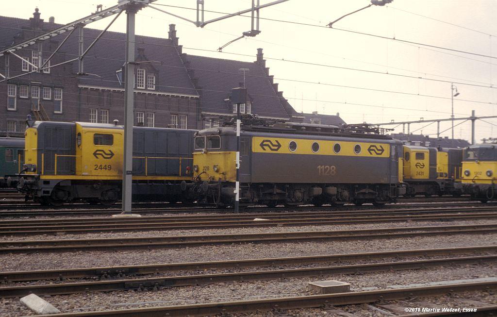 http://www.eisenbahnhobby.de/Holland/142-36_2449-1128_Maastricht_1980-01-27_S.jpg