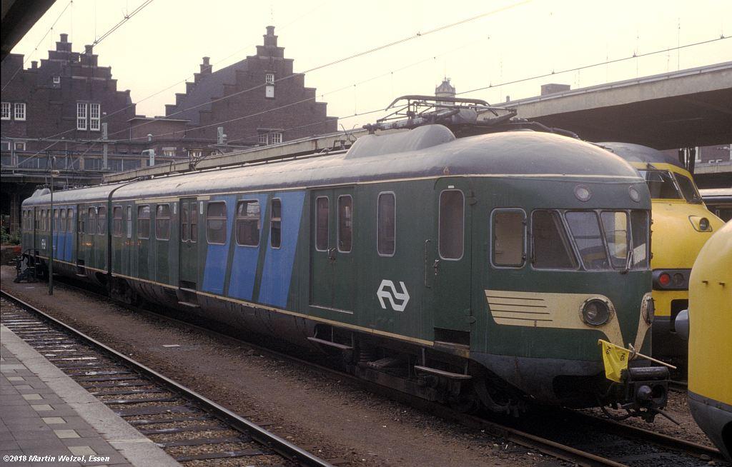 http://www.eisenbahnhobby.de/Holland/142-42_30849782503-1_ABDk291_Maastricht_1980-01-27_S.jpg
