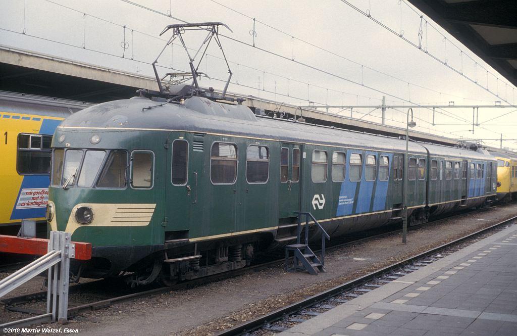 http://www.eisenbahnhobby.de/Holland/142-45_30849782503-1_Bk291_Maastricht_1980-01-27_S.jpg
