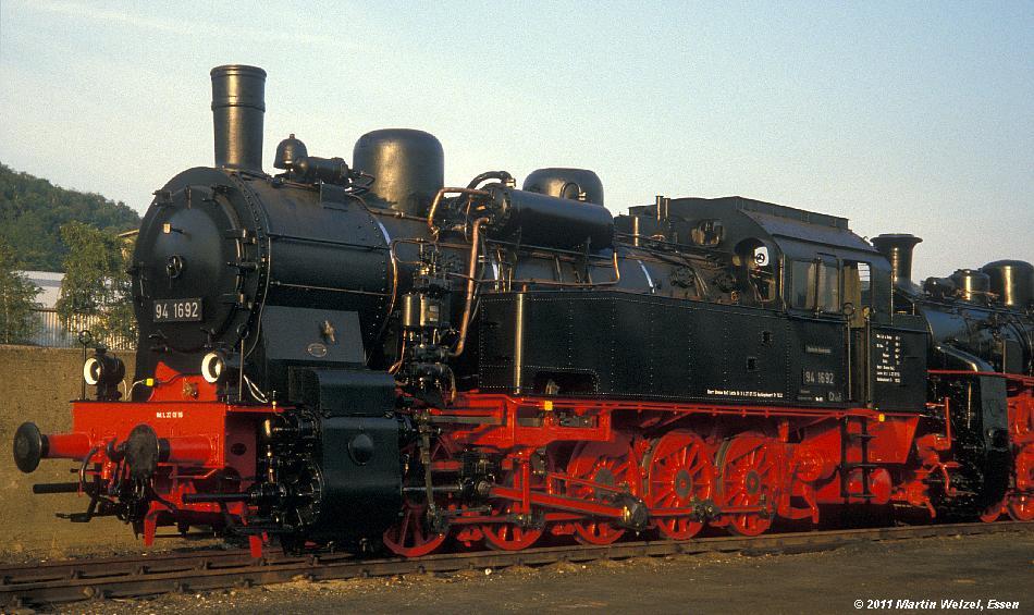 http://www.eisenbahnhobby.de/Lingen/233-12_094692_BO-Dahlhausen_30-9-85_S.JPG