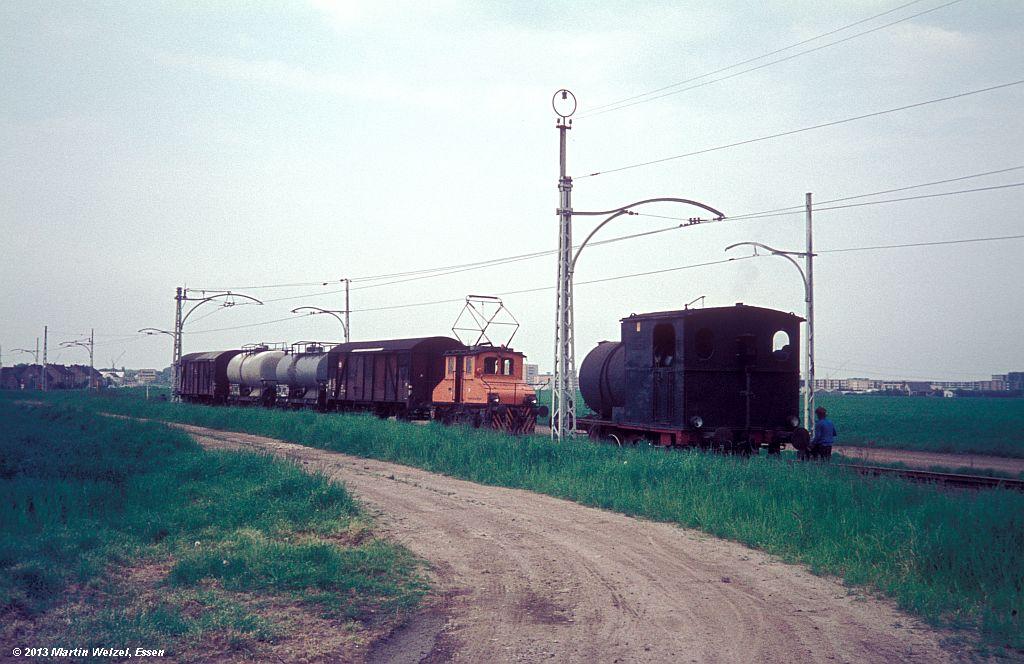 http://www.eisenbahnhobby.de/Monheim/28-28_BSM14_Hohz3304_Monheim-Blee_16-5-75_S.jpg