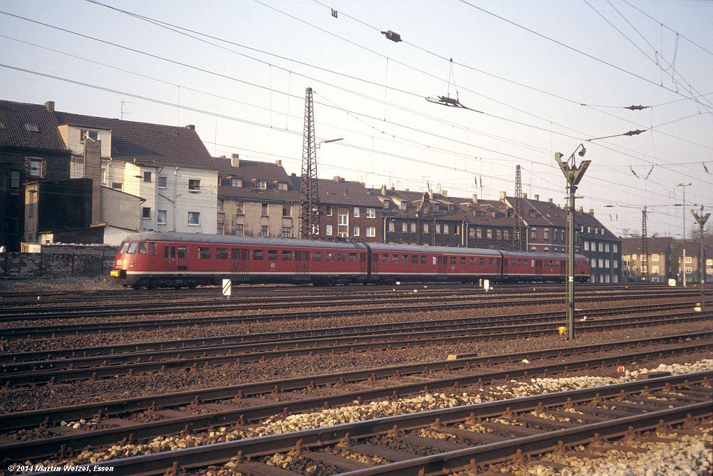 http://www.eisenbahnhobby.de/Oberhausen/148-11_430111_OB-Osterfeld-Sued_15-4-80_S.jpg