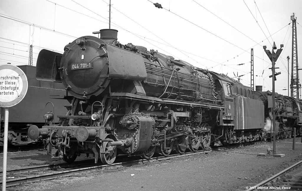 http://www.eisenbahnhobby.de/Oberhausen/SW276-17_044701_OB-OsterfeldSued_22-4-73_S.jpg