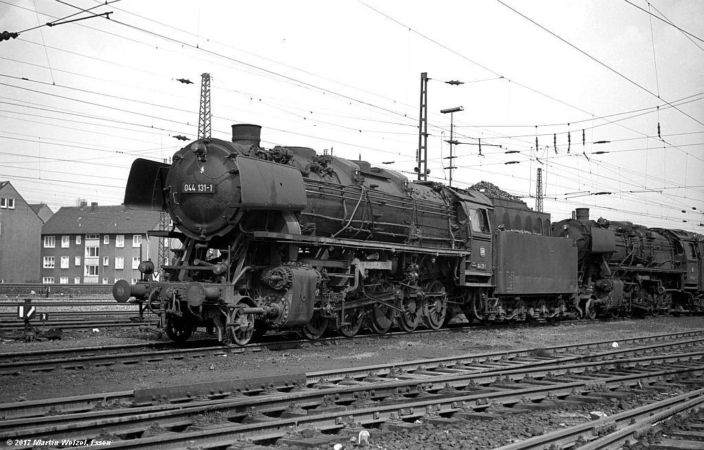 http://www.eisenbahnhobby.de/Oberhausen/SW276-6_044131_OB-OsterfeldSued_22-4-73_S.jpg