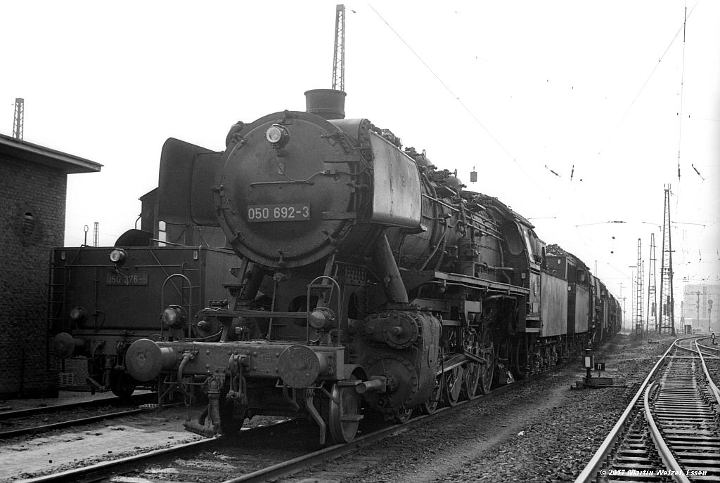 http://www.eisenbahnhobby.de/Oberhausen/SW279-24_050692_OB-OsterfeldSued_22-4-73_S.jpg