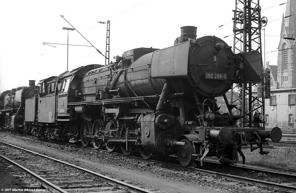http://www.eisenbahnhobby.de/Oberhausen/SW279-30_050288_OB-OsterfeldSued_22-4-73_S.jpg