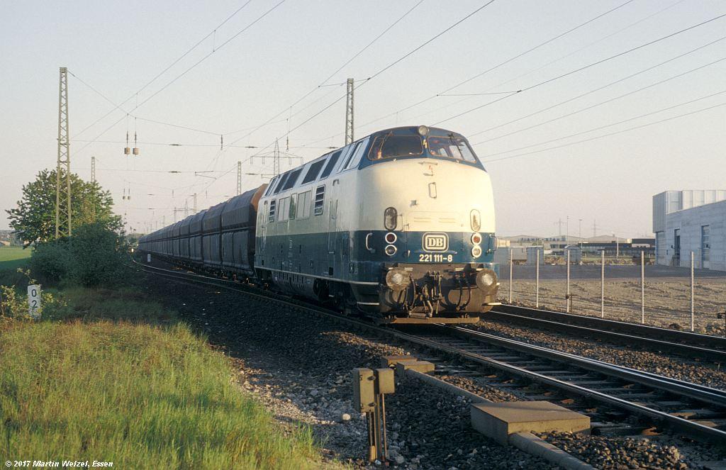 http://www.eisenbahnhobby.de/Ratingen/153-16_221111_Abzw-Tiefenbroich_13-5-80_S.jpg