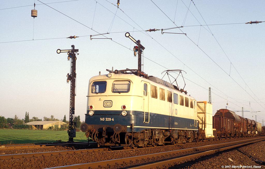 http://www.eisenbahnhobby.de/Ratingen/153-17_140329_Abzw-Tiefenbroich_13-5-80_S.jpg