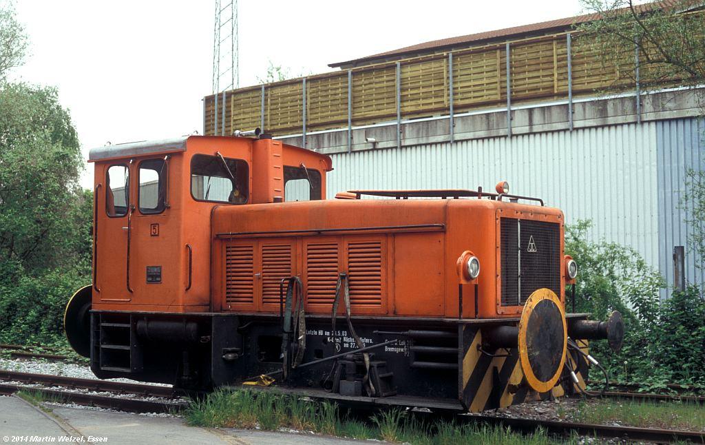 http://www.eisenbahnhobby.de/Ratingen/686-12_Jung13872_Ratingen-Tiefenbroich_2-5-05_S.jpg