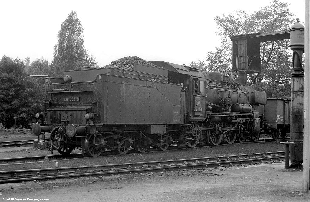 http://www.eisenbahnhobby.de/Rottweil/SW365-22_038382_Rottweil_1973-08-18_S.jpg