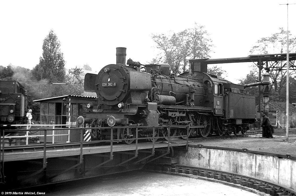 http://www.eisenbahnhobby.de/Rottweil/SW365-4_038382_Rottweil_1973-08-18_S.jpg