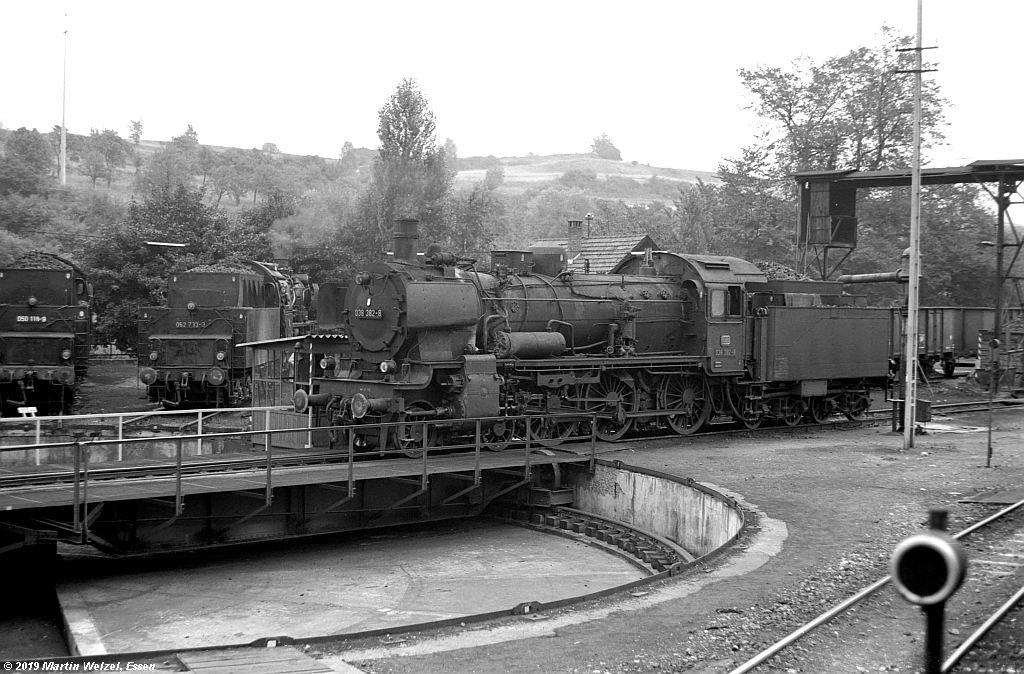 http://www.eisenbahnhobby.de/Rottweil/SW365-6_038382_Rottweil_1973-08-18_S.jpg