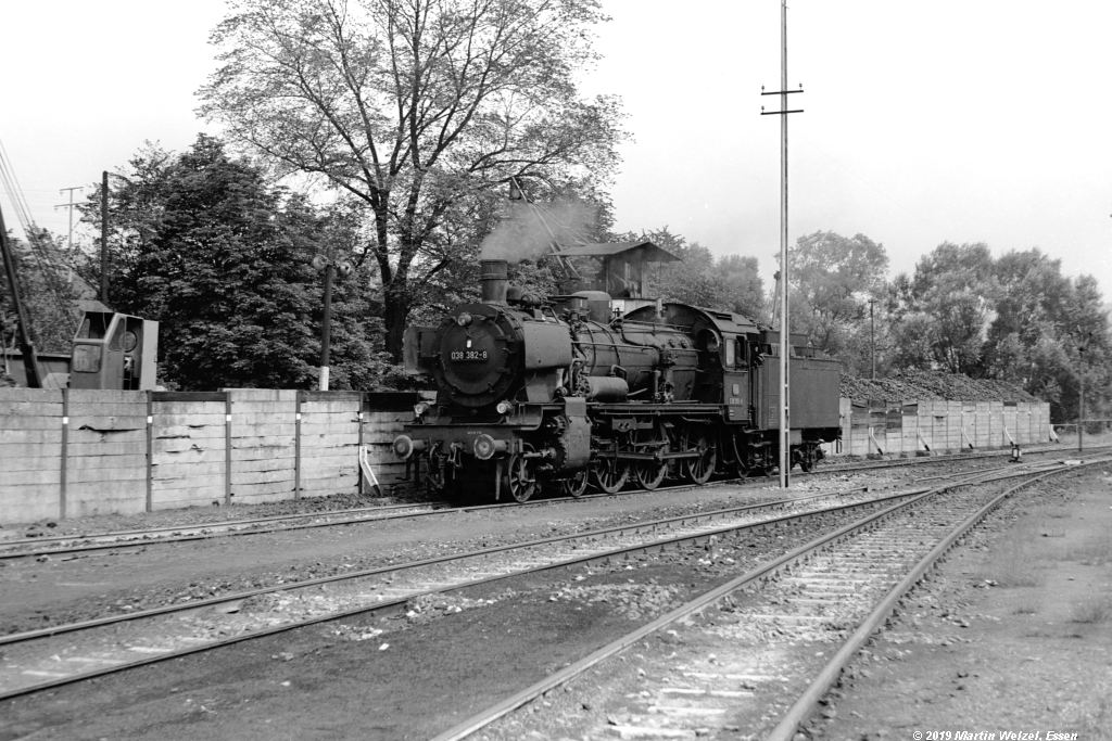 http://www.eisenbahnhobby.de/Rottweil/SW371-17_038382_Rottweil_1973-08-18_S.jpg