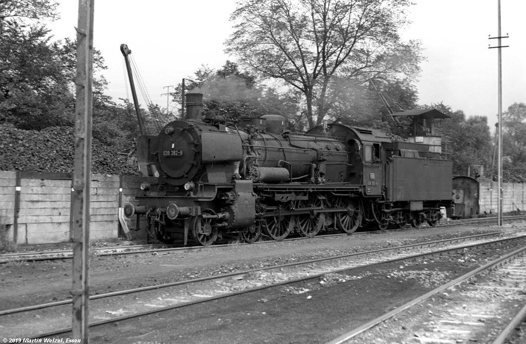 http://www.eisenbahnhobby.de/Rottweil/SW371-19_038382_Rottweil_1973-08-18_S.jpg