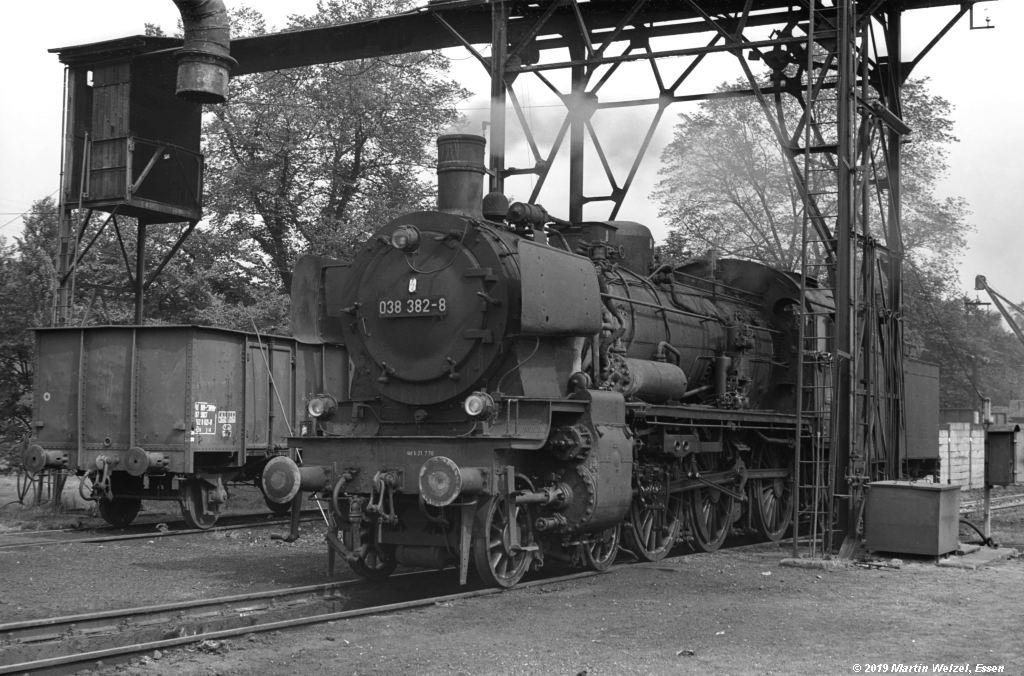 http://www.eisenbahnhobby.de/Rottweil/SW371-21_038382_Rottweil_1973-08-18_S.jpg