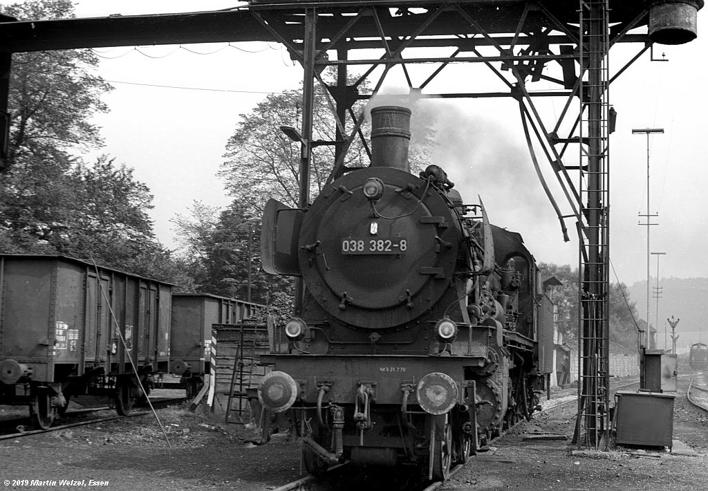 http://www.eisenbahnhobby.de/Rottweil/SW371-22_038382_Rottweil_1973-08-18_S.jpg