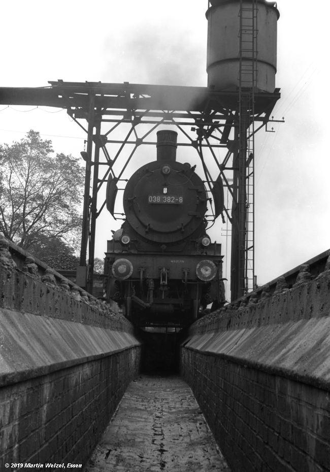 http://www.eisenbahnhobby.de/Rottweil/SW371-31_038382_Rottweil_1973-08-18_S.jpg