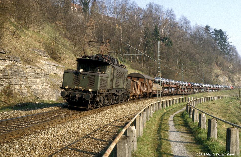 http://www.eisenbahnhobby.de/Titisee/196-50_194195_Rottweil_28-4-82_S.JPG