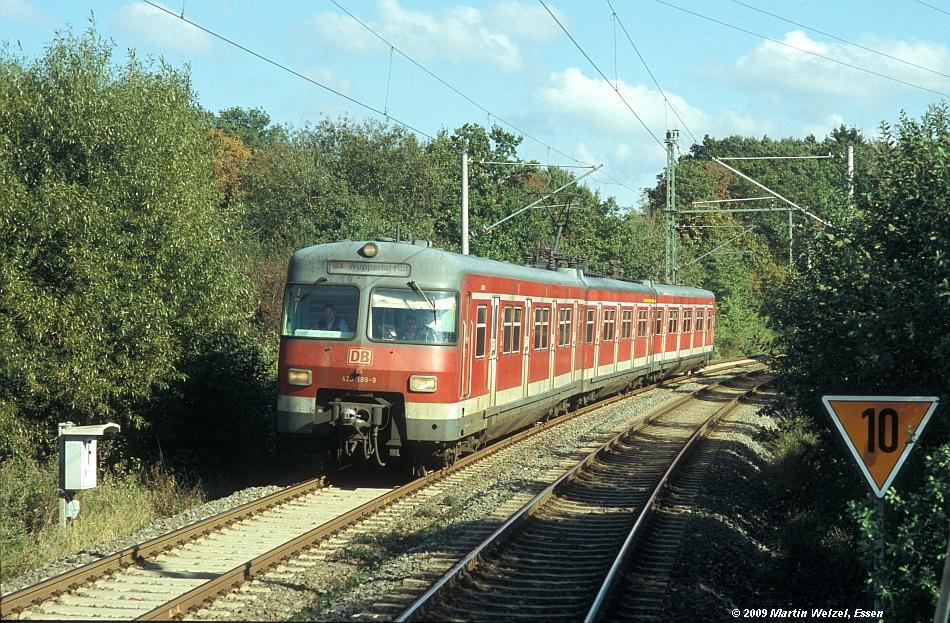 http://www.eisenbahnhobby.de/Versch/658-28_420389_VEL-Rosenhuegel_10-10-04_S.jpg