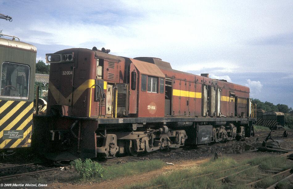 http://www.eisenbahnhobby.de/Zaire/260-10_ONATRA32-004_Lubumbashi_21-1-91_S.jpg