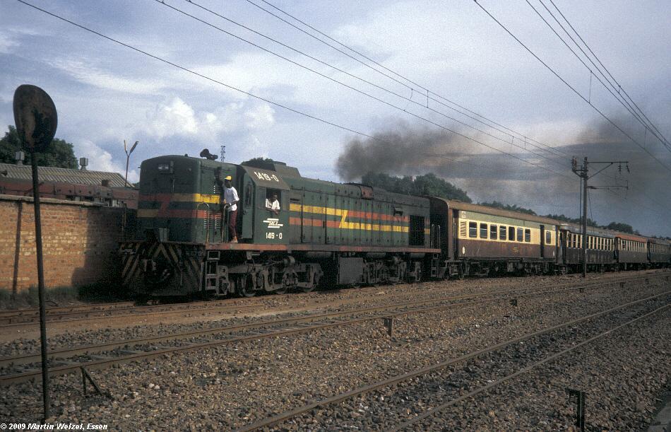 http://www.eisenbahnhobby.de/Zaire/260-11_SNCZ1419_Lubumbashi_21-1-91_S.jpg