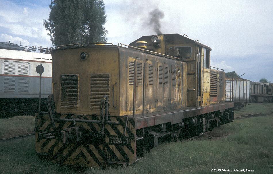 http://www.eisenbahnhobby.de/Zaire/260-5_SNCZ1234_Lubumbashi_21-1-91_S.jpg
