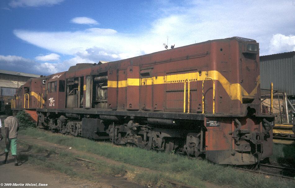 http://www.eisenbahnhobby.de/Zaire/260-8_SNCZ1417_Lubumbashi_21-1-91_S.jpg