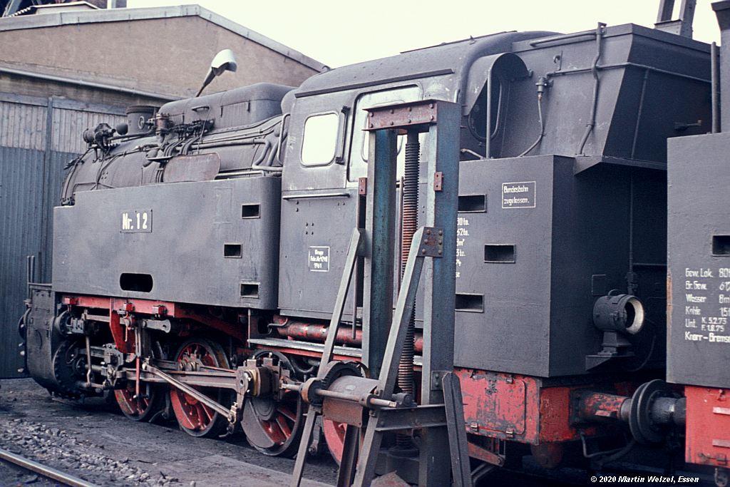 http://www.eisenbahnhobby.de/alsdorf/37-50_Lok12_Alsdorf_13-8-76_S.jpg