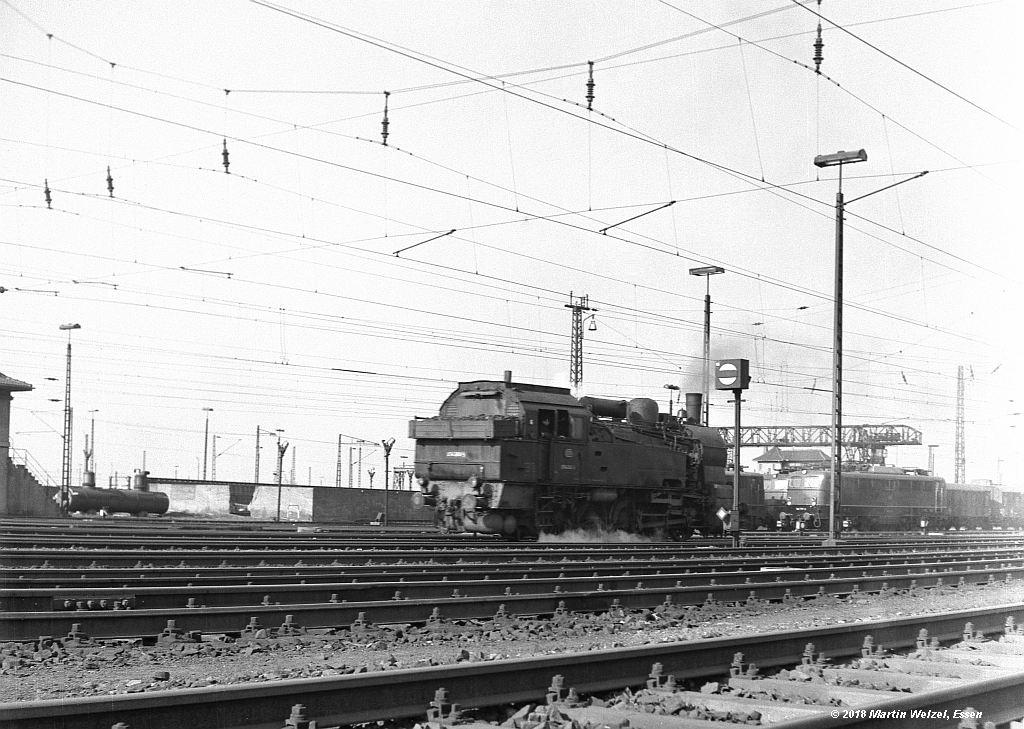 http://www.eisenbahnhobby.de/altebilder/SW2a-4_094360_Hohenbudberg_9-4-69_S.jpg