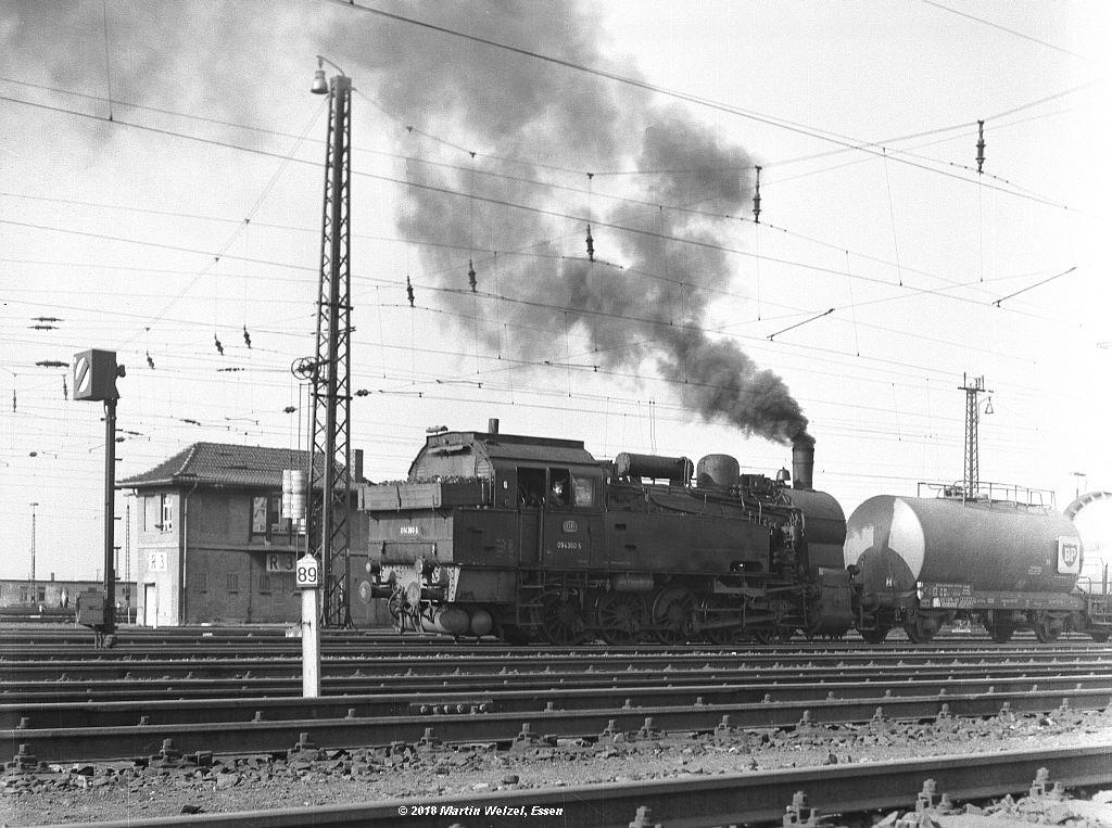 http://www.eisenbahnhobby.de/altebilder/SW2a-5_094360_Hohenbudberg_9-4-69_S.jpg