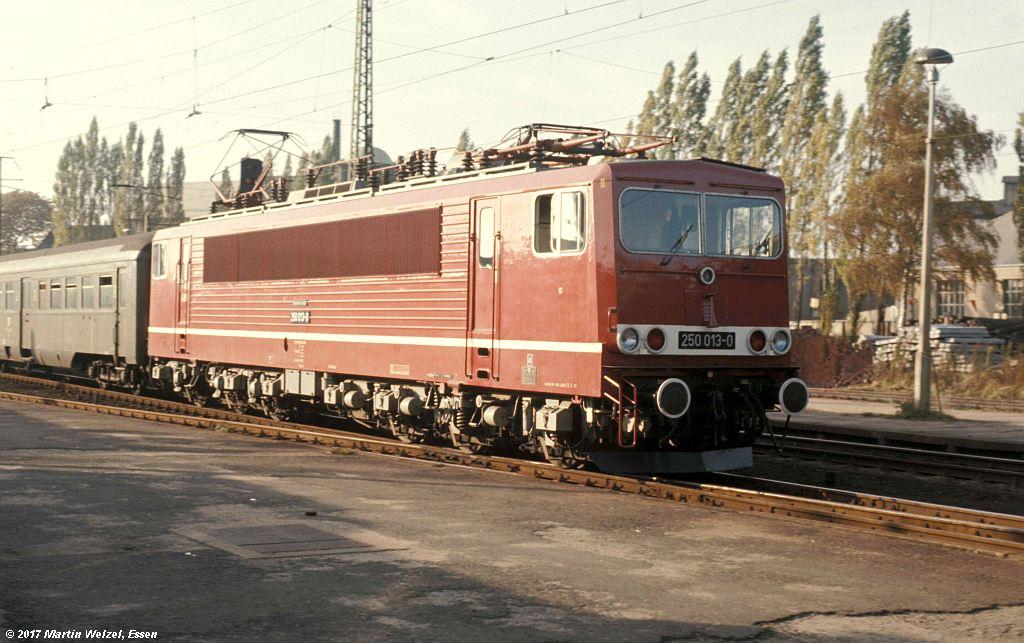 http://www.eisenbahnhobby.de/dr/85-22_250013_Freiberg_8.10.77_S.jpg