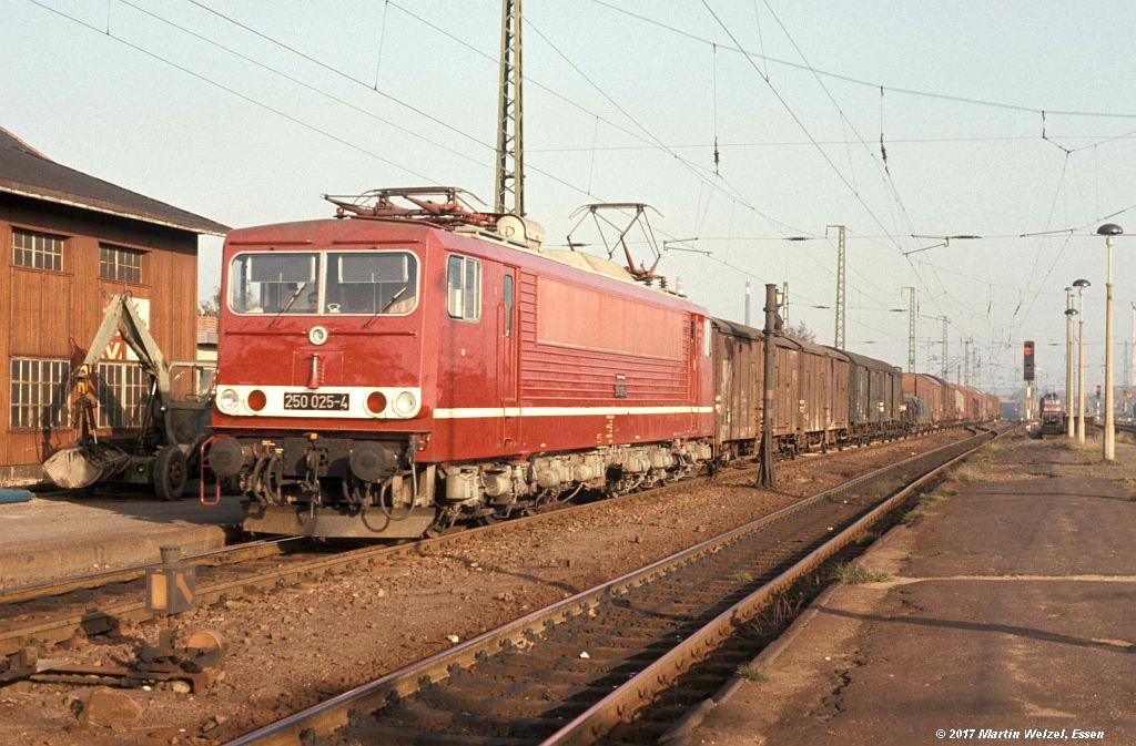 http://www.eisenbahnhobby.de/dr/85-24_250025_Freiberg_8.10.77_S.jpg