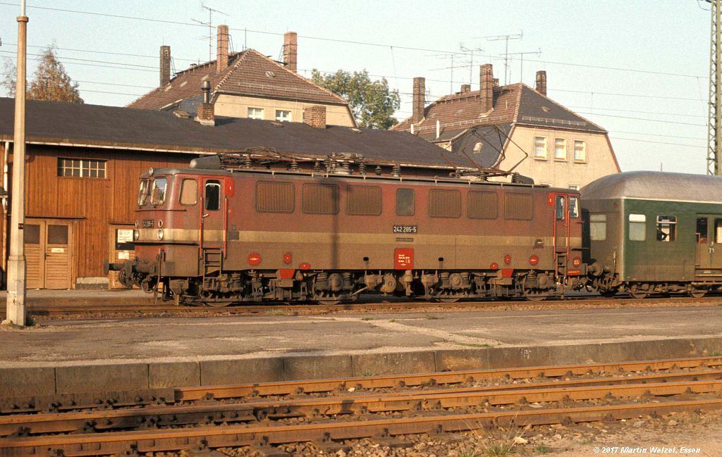 http://www.eisenbahnhobby.de/dr/85-27_242285_Freiberg_8.10.77_S.jpg