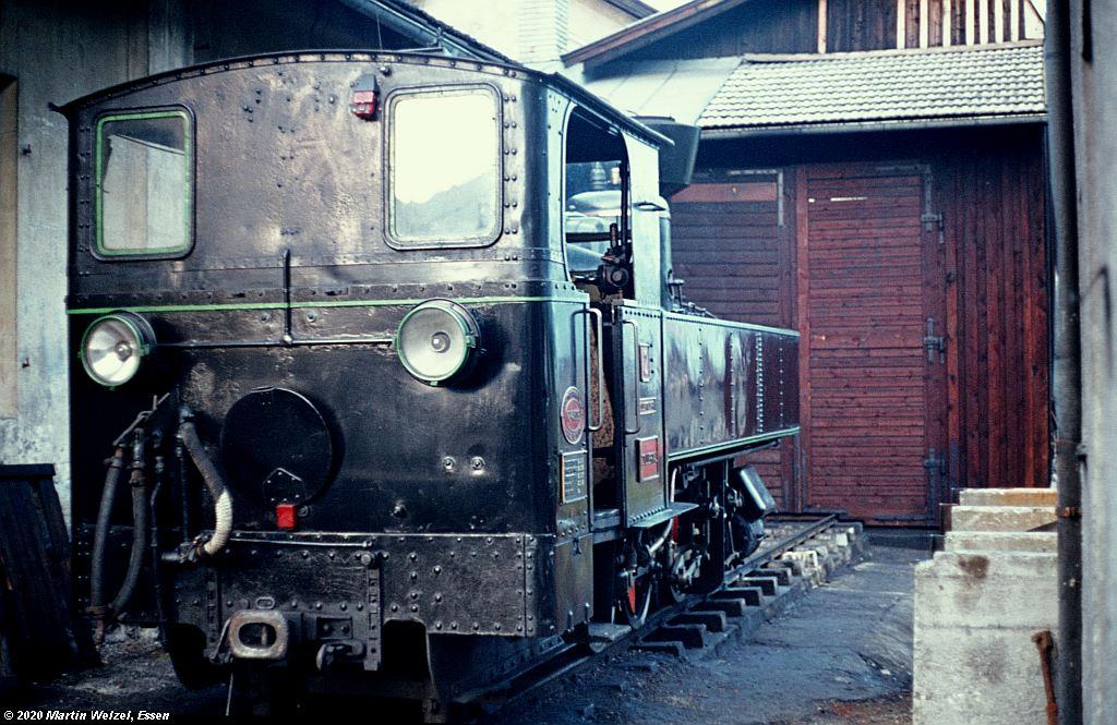 http://www.eisenbahnhobby.de/garmisch/44-18_ZB2_Jenbach_27-9-76_S.jpg