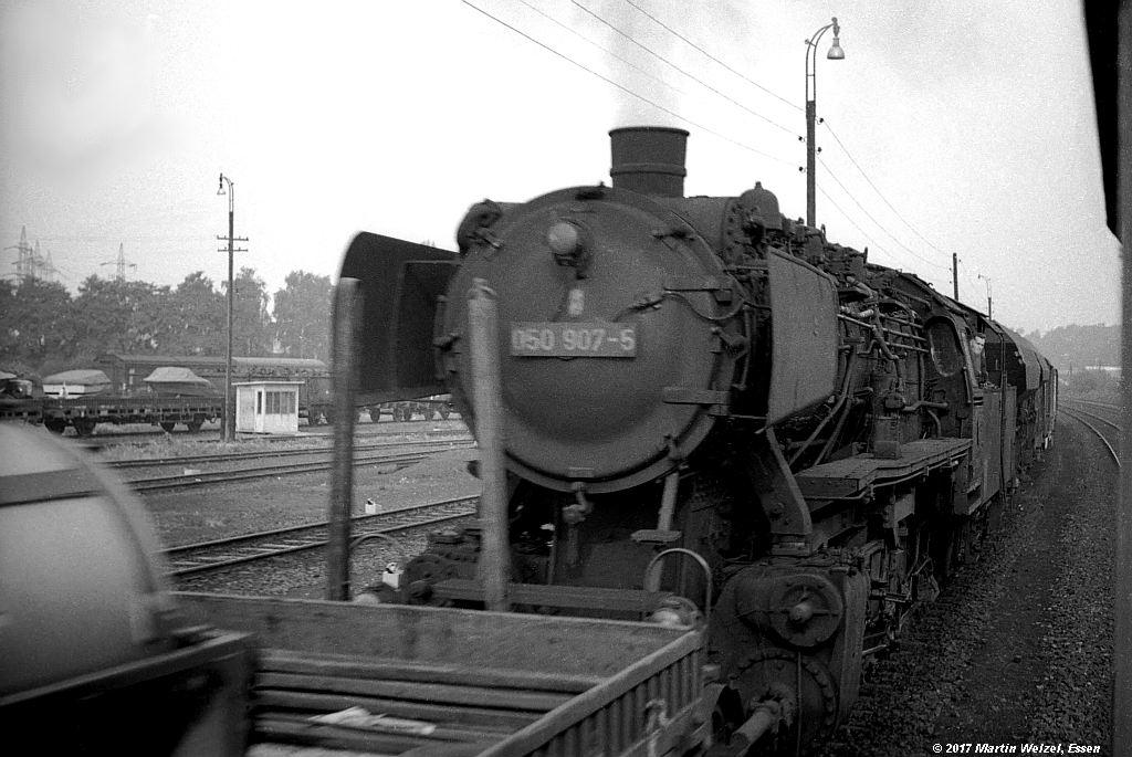 http://www.eisenbahnhobby.de/gremberg/SW142-63_050907_Siegburg_22-9-72_S.jpg