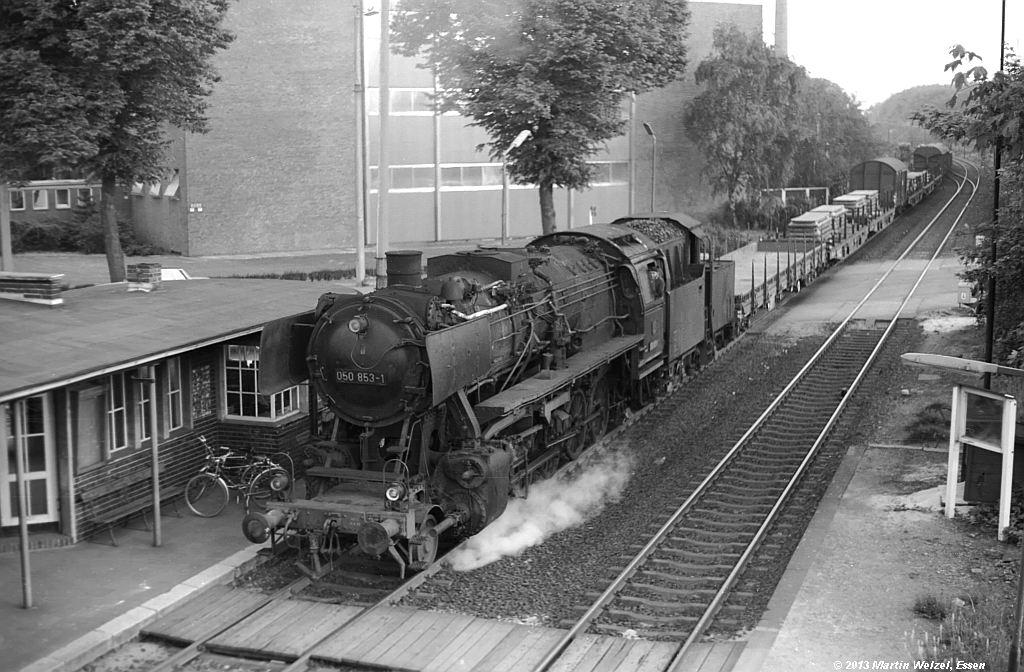 http://www.eisenbahnhobby.de/krefeld/SW530-37_050853_Krefeld-Stahlwerk_20-5-74_S.jpg