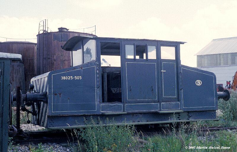 http://www.eisenbahnhobby.de/maldegem/130-23_SNCB_38025-505_Maldegem-22-7-79_S.jpg