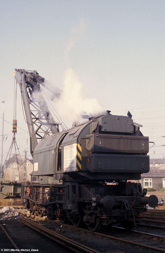 http://www.eisenbahnhobby.de/osterfeld/110-4_30809740023_OBOsterfeld_7-11-78_S.jpg