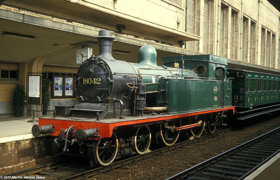 http://www.eisenbahnhobby.de/sncb/232-01_16-042_Bruessel-Nord_24-5-85_S.JPG