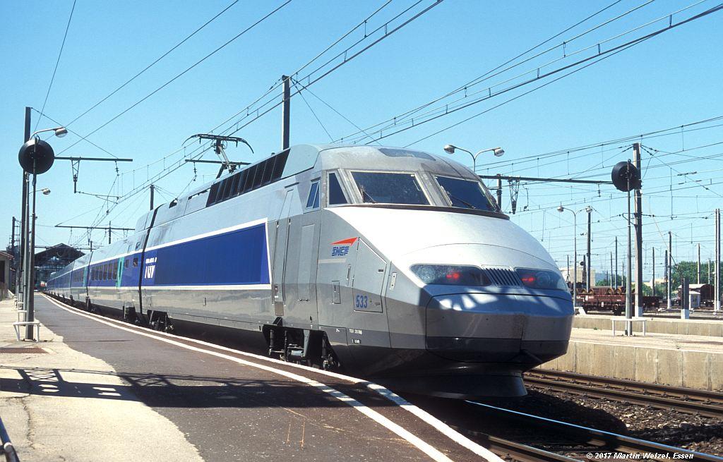 http://www.eisenbahnhobby.de/sncf/363-13_TGV28066_Narbonne_1-7-99_S.jpg