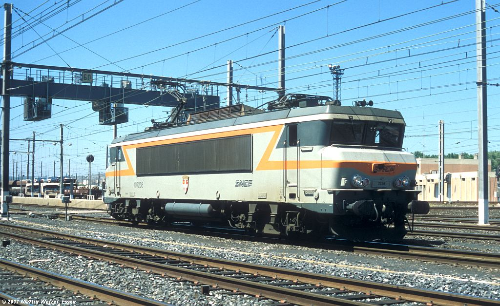 http://www.eisenbahnhobby.de/sncf/363-5_BB407236_Narbonne_1-7-99_S.jpg