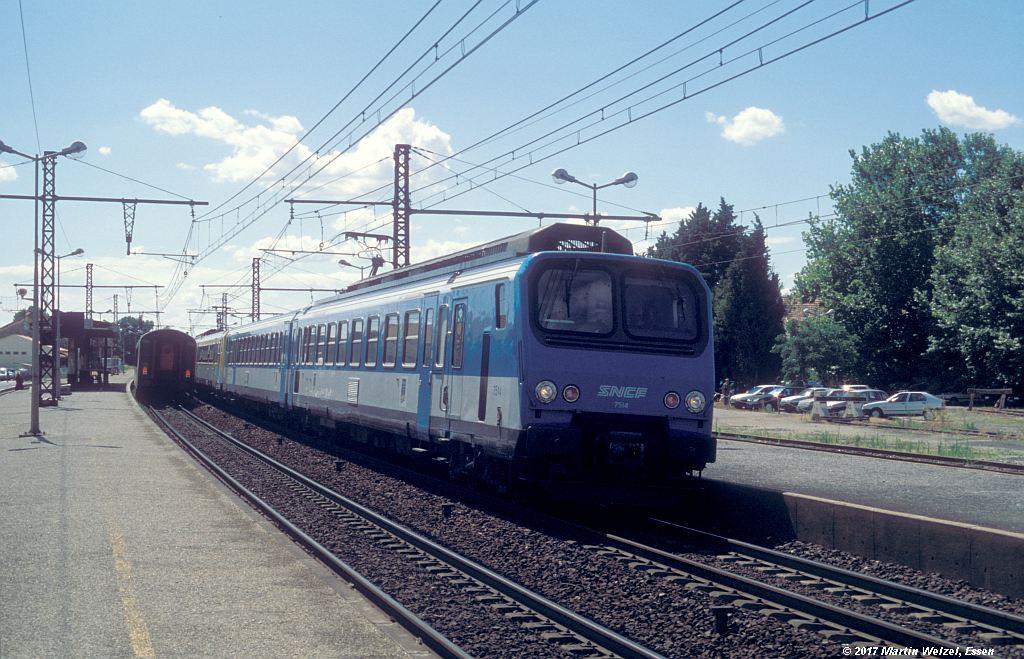 http://www.eisenbahnhobby.de/sncf/367-35_Z7514_Lunel_6-7-99_S.jpg