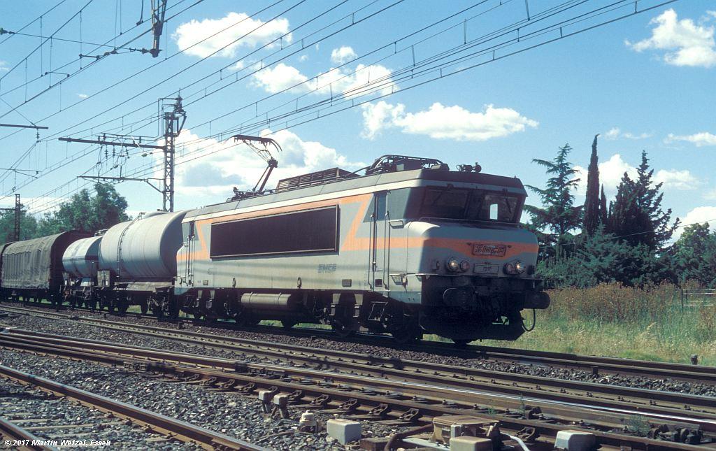 http://www.eisenbahnhobby.de/sncf/367-39_BB407217_Lunel_6-7-99_S.jpg