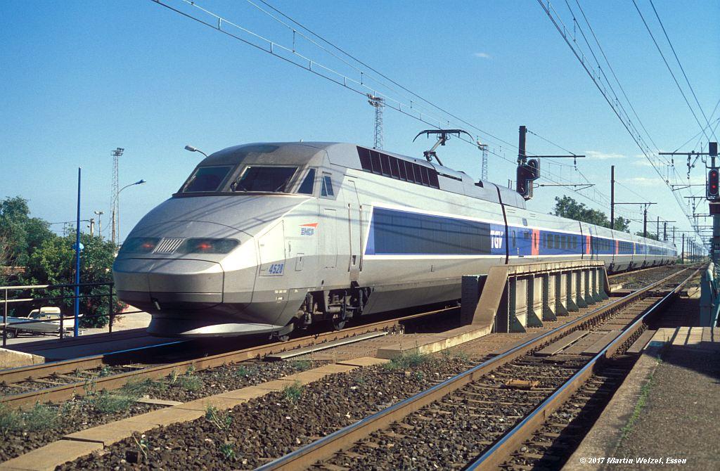 http://www.eisenbahnhobby.de/sncf/367-45_TGV380055_Frontignan_6-7-99_S.jpg